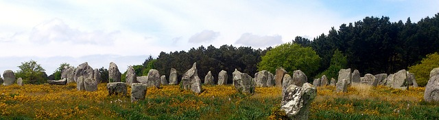 carnac-stones-525049_640.jpg