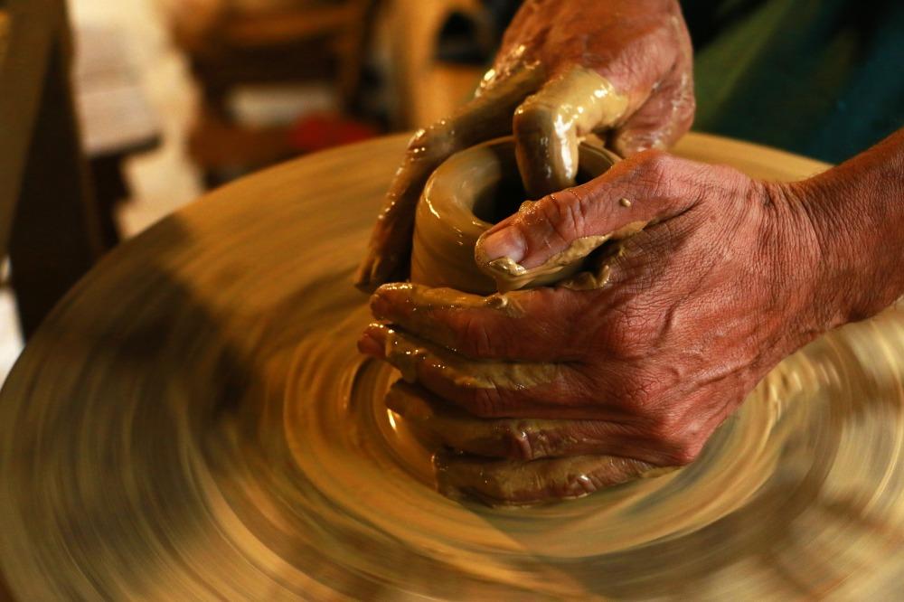 hands-1283146_1920.jpg